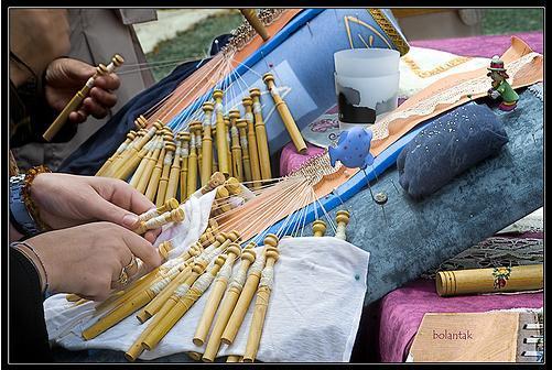 artesania encaje de bolillos labores