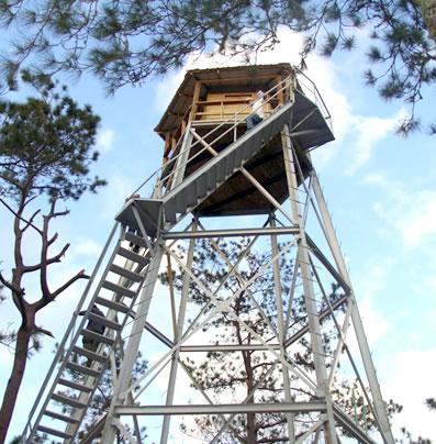 torre control fuego aereo vigilancia