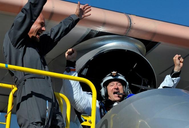 Emocion tras el vuelo solar impulse