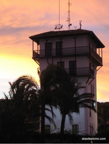 torre de control puerto portals mallorca