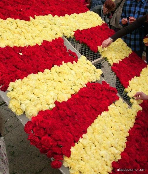 bandera de aragon en san jorge con flores