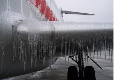 hielo en avion engelamiento borde de ataque
